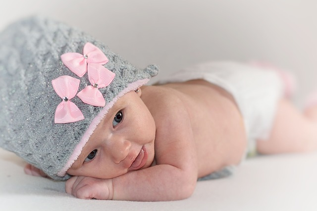 miminko, růžovošedá čepička