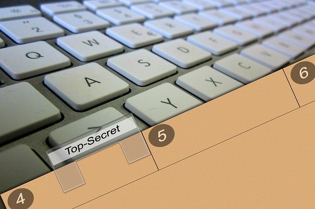 klávesnice, záložka, top secret
