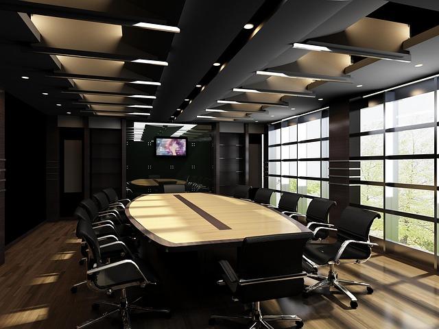 velý konferenční stůl, židle