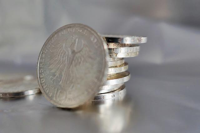 stříbrné drobné mince.jpg