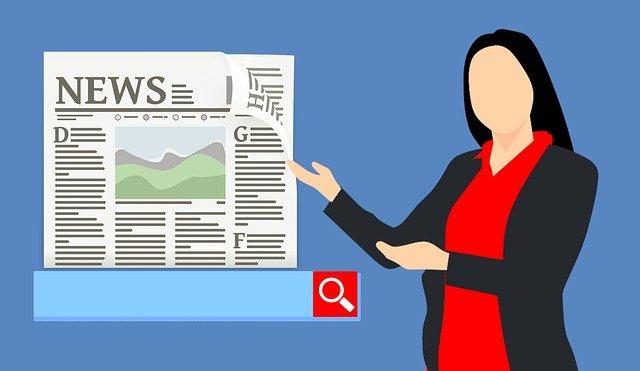 kreslená žena ukazující na titulní stránku novin s kolonkou vyhledávání